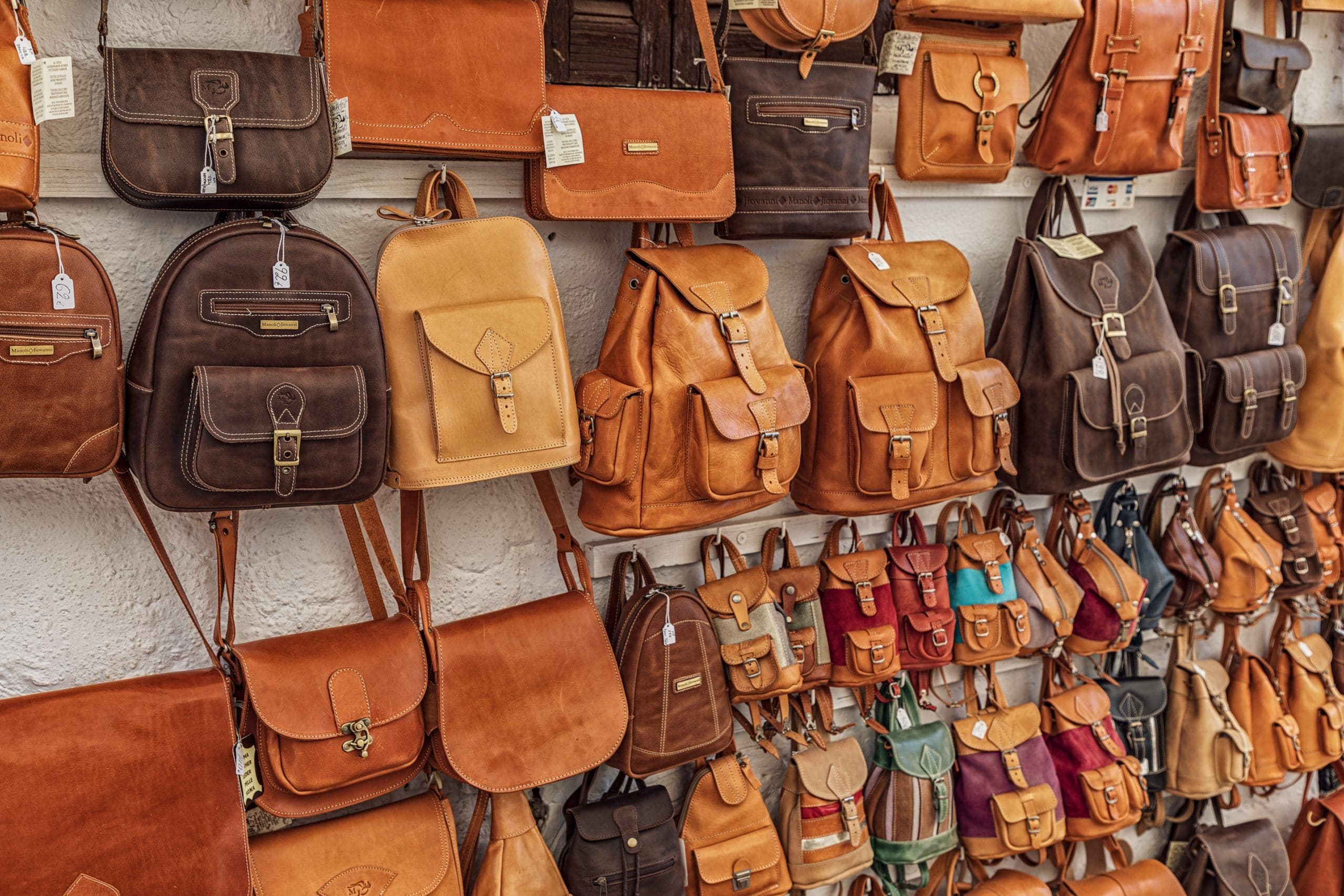 designer handbags, A Quick Guide About Your Designer Handbags, Outdressing